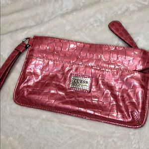 Guess clutch peach crocodile prints